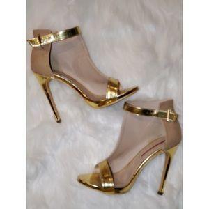 Asymmetric Panel Heels